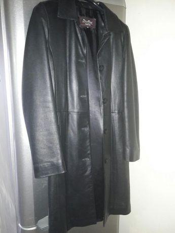 Vand haina de piele, marimea 36, taliata