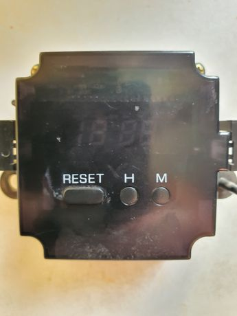 Продам часы от авто ниссан лаурель С34 кузов