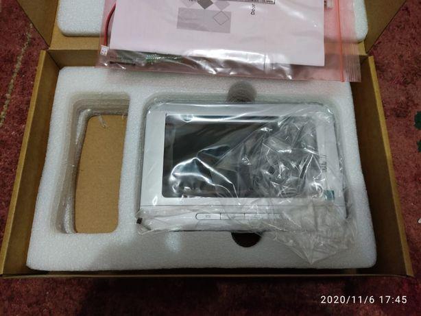 HiWatch домофон DS-Dm222 ( дополнительный монитор)