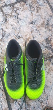 Футболни обувки  adidas i fila