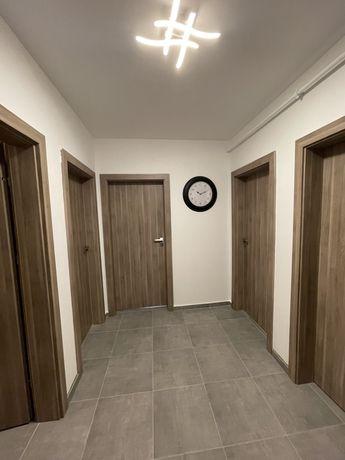 Cazare/chirie- apartament 2 camere NOU