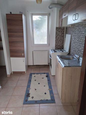 Inchiriez apartament 3 camere, etaj 3, Narcisa