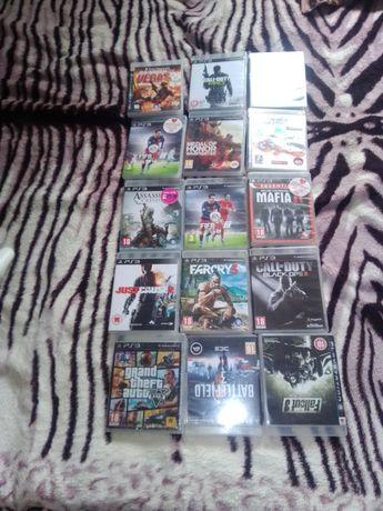 Vând PlayStation 3 (PS3)