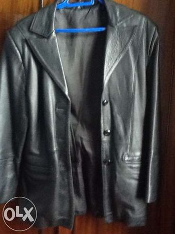 Класическо от естествена кожа дамско сако-ново