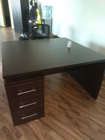 Офисная мебель стол со стульями