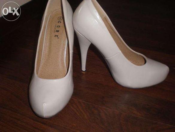 Обувки в цвят пудра от Англия-