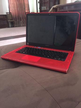 Игровой ноутбук в идеальном состоянии не открывался