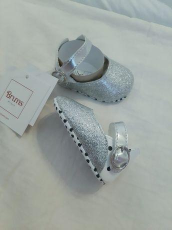 Pantofi fetițe noi firma Brums