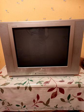 Продаётся телевизор в отличном состоянии