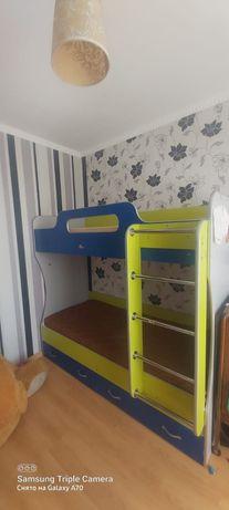 Продам двухяростную кровать