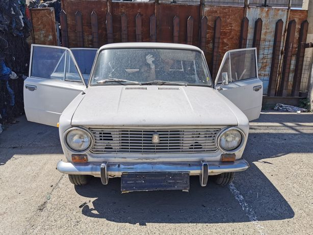 Lada 1200 din 1979 accept Bitcoin sau Etherium