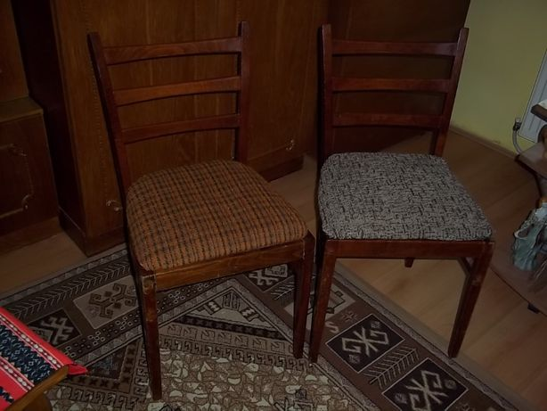 scaune lemn camera