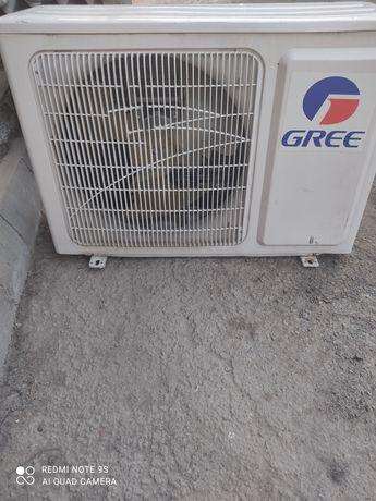 Кондиционер GREE 12 продам наружный блок.