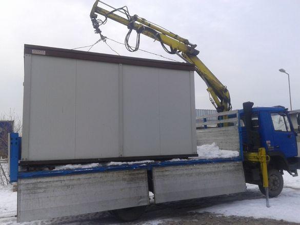камион с кран-транспортни услуги