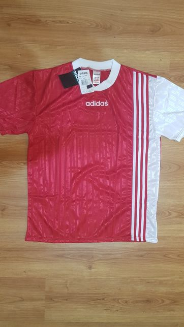 Tricou Adidas original fotbal marimea L 100% polyester