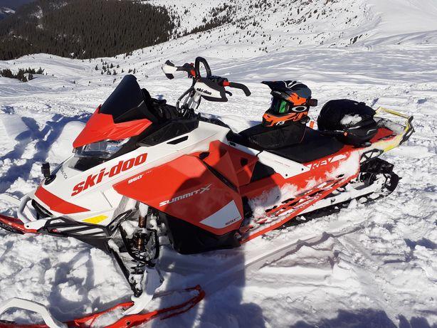 Snowmobil - Ski Doo Summit Expert Package 2020