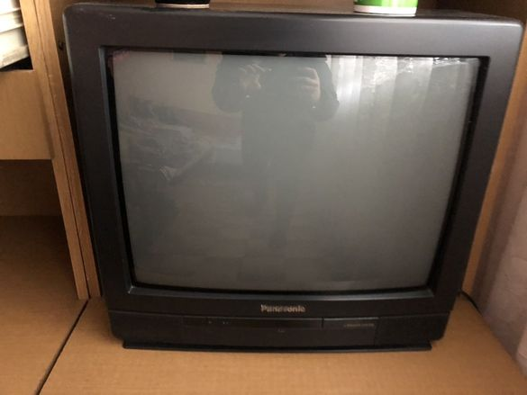 Продава се телевизор Panasonic