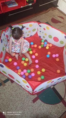 Новый игровой сухой бассейн и шарики цветные