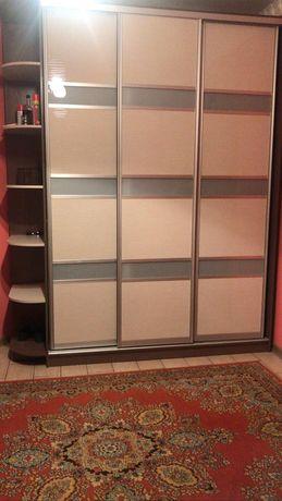 Прихожая шкаф купе с двумя маленькими шкафами