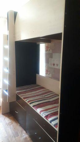Двухярусноя кровать