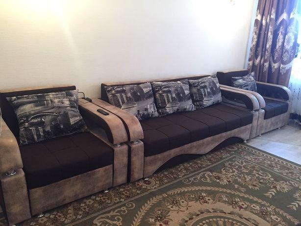 Уголок диван и два кресла