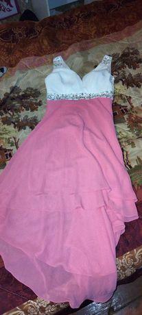 Продам платье за 4000