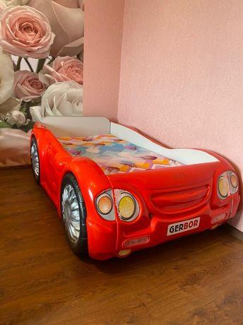 Продам детскую кровать машинку