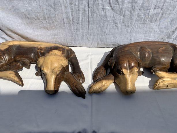 Catei din lemn sculptatii