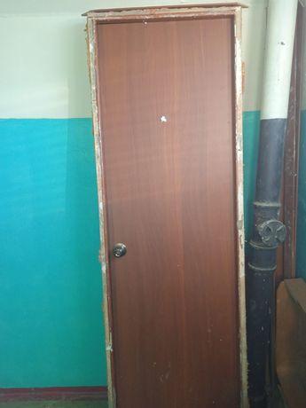 Двери 2 штуки готовые