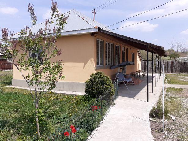 Casa de vanzare + Spatiu comercial **Renovata Complet**+ 1 loc de casa