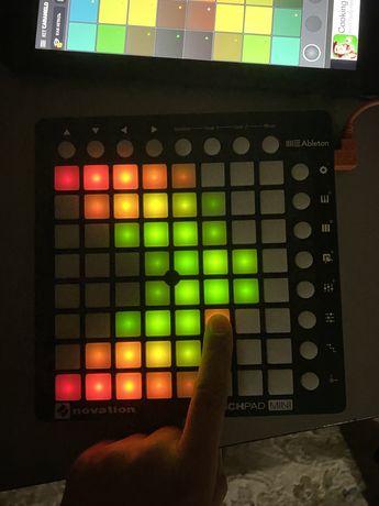 Novation Launchpad Mini (Ableton, FL Studio) midi контроллер