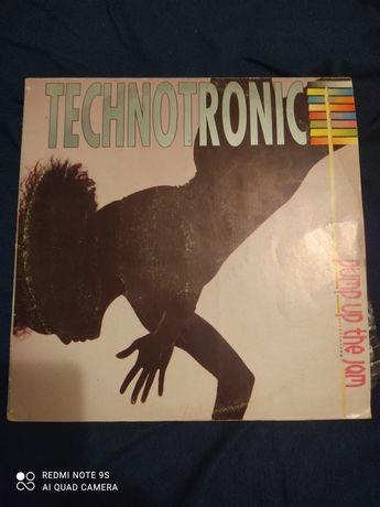 Продам виниловый диск Technotronic