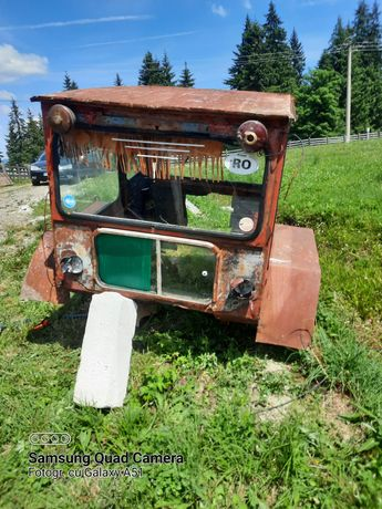 Vând cabina tractor