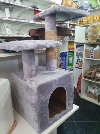 Домики для кошек с когтеточками. Разные варианты. Бесплатная доставка