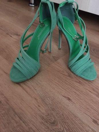 Sandale verzi cu toc