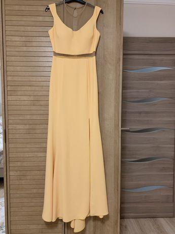 Ново! Официална дълга рокля в жълто