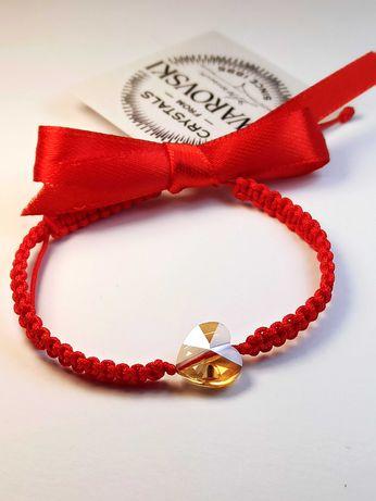 Гривна с червен конец и златно сърце Swarovski