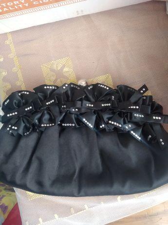 Продавам нови  чанти