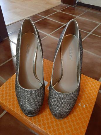 Обувки с чанта за повод