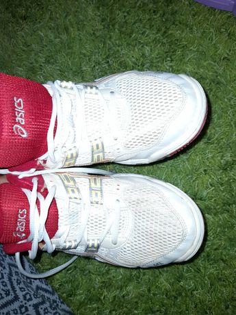 Adidasi 40 asics indonezia