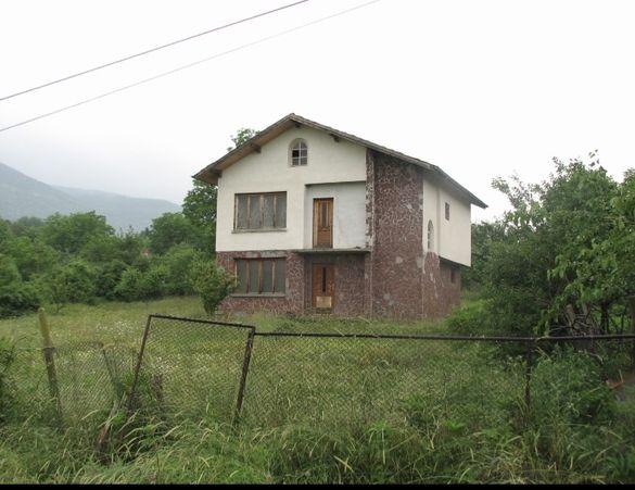 Продавам къща село Добревци