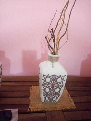 Vază decorativă (h~19cm,d=10cm.)vând/schimb