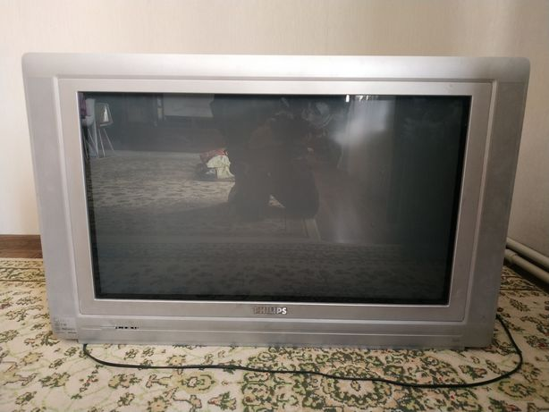 Большой телевизор Phillips
