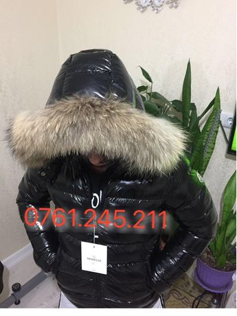 Geaca Moncler barbat lucioasa originala made in Romania