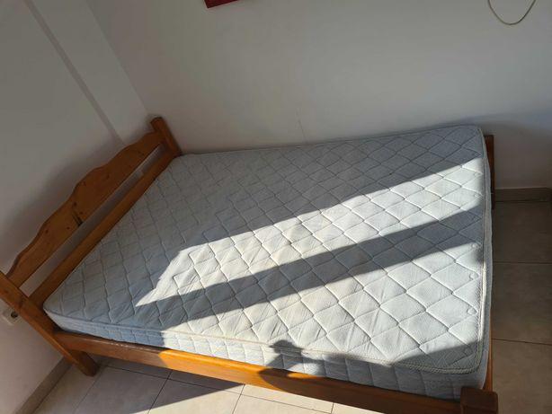 Vand paturi cu saltea