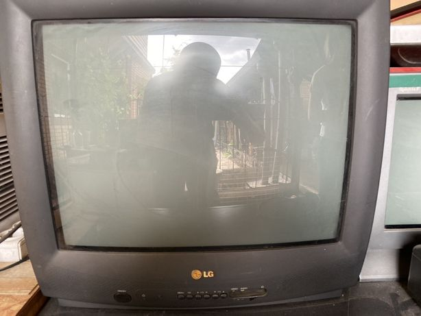 """Телевизор LG CF-21F89 21"""" (54см)"""