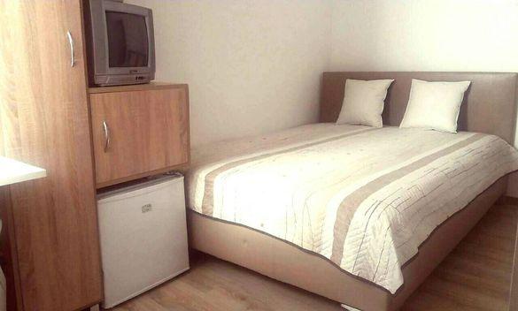 AZZARO 2- Нова самостоятелна стая за двама в идеален център