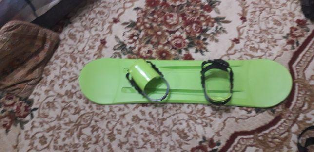 Лыжный сноуборд.