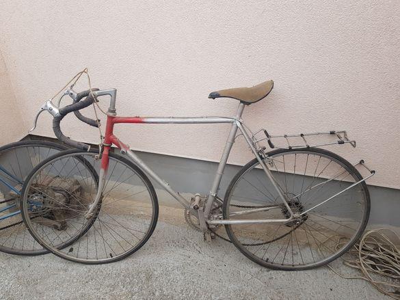 Продавам два ретро велосипеда