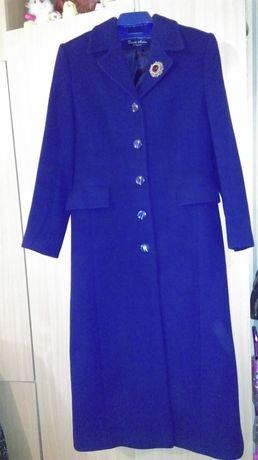 Продам демисизонное пальто темно-синего цвета